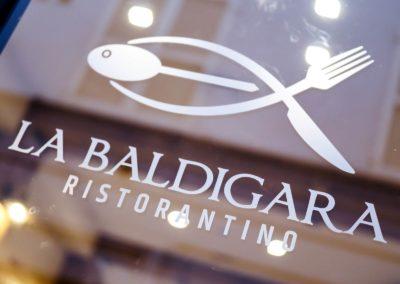 La Baldigara Ristorantino - Il ristorante - Vetrofania